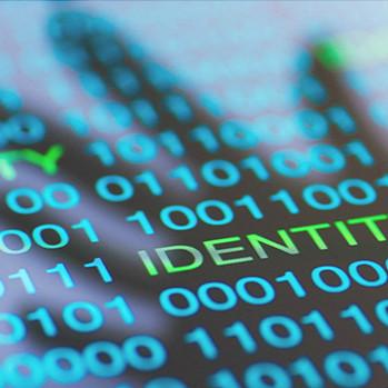 「攻撃者の十八番~認証情報の盗取」