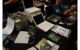 物販コーナー:古いPCやNW機器、ジャンク品なども販売されているの画像