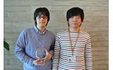第3回mixi scrap challenge 2012優勝チームの原田 裕介氏(左)、株式会社ミクシィ 坂本典大氏(右)の画像